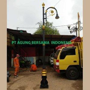 Tiang Lampu Taman Bali